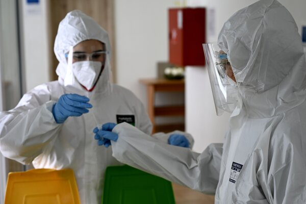 Testovanie na nový koronavírus.
