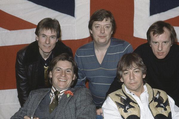 Hilton Valentine (vľavo) s kapelou The Animals.