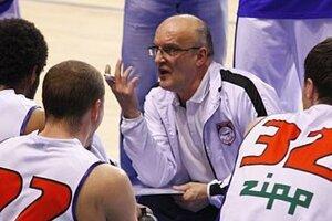 Tréner basketbalistov Nitry Ľubomír Urban odhalil základné dôvody, prečo jeho tím vypadol, do hlbších analýz sa však pár minút po zápase nepúšťal.