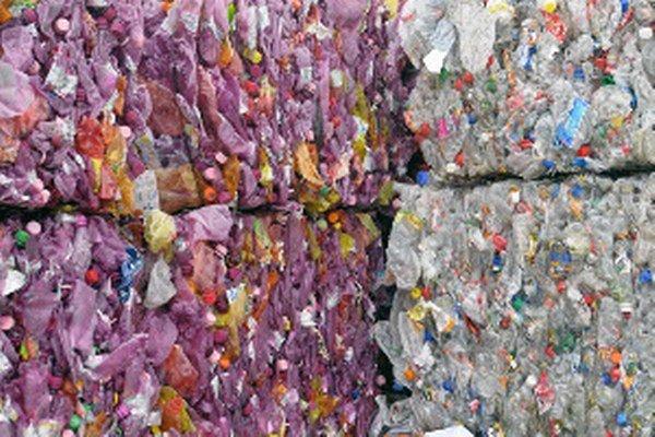 Proti odpadu z Talianska sa v Zlatých Moravciach zdvihol masívny odpor.