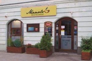Manolo sídli na Kupeckej ulici v Nitre.