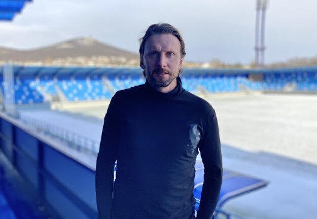 Henrich Benčík ako futbalista 11-krát reprezentoval Slovensko, teraz sa chce preraziť ako funkcionár.