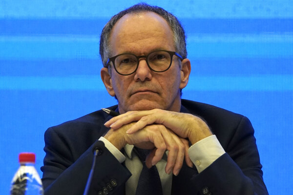 Šéf skupiny expertov WHO Peter Embarek.