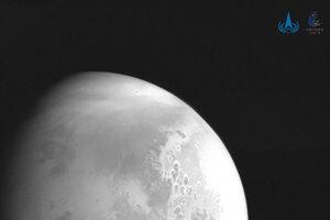Záber planéty Mars zhotovený sondou Tchien-wen-1.