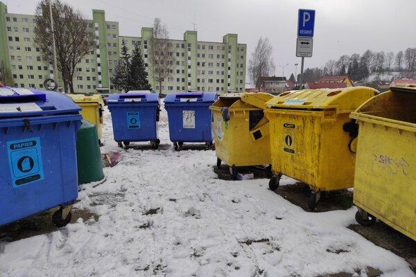 V Záturčí pribudli kontajnery na separovaný odpad.