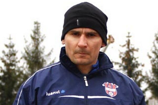 Tréner Zlatých Moraviec Branislav Mráz.
