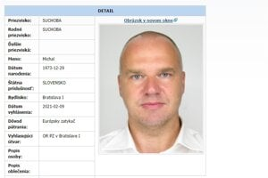 Polícia pátra po Michalovi Suchobovi.