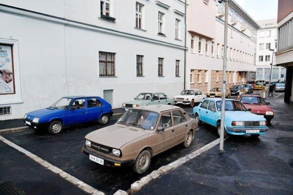 Roman Ondak: SK Parking, 2001/2021, Kunsthalle Bratislava,