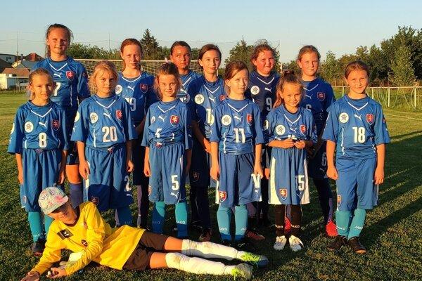 Dievčenské družstvo z Čermian hrá v súťaži ObFZ Topoľčany pod hlavičkou GFC Topoľčany.