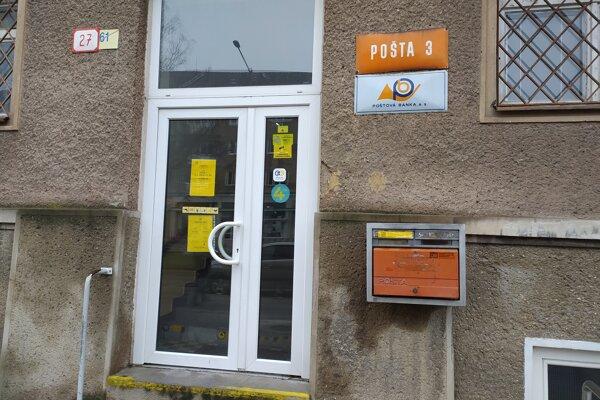 Pošta 3 v Prievidzi.