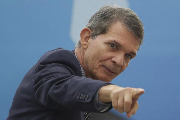 Generál Joaquim Silva e Luna bol v minulosti aj brazílskym ministrom obrany.
