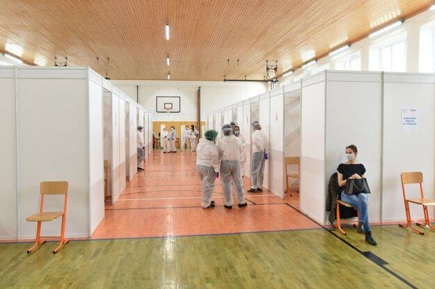 V Trnave otvorili veľkokapacitné očkovacie centrum.