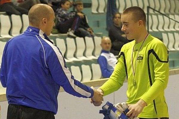 Najlepším brankárom turnaja mladších žiakov bol Erik Búš (FC Nitra bieli).