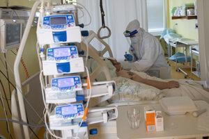 Červené oddelenie na Klinike pneumológie v Ružinove.