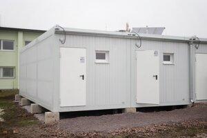 Unimobunky sú vybavené vykurovaním, vodou aj elektrinou.
