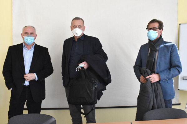 Nové vedenie VÚSCH. Zľava Anton Jura, Martin Studenčan a Štefan Lukačin.