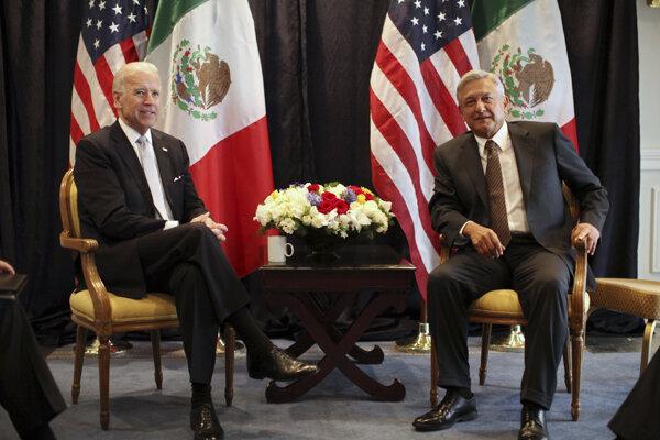 Mexický prezident Andrés Manuel López Obrador s americkým prezidentom Bidenom