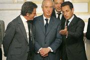 Bývalý francúzsky premiér Édouard Balladur (v strede).