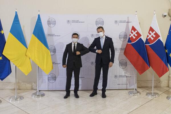 Premiér Igor Matovič a vľavo prezident Ukrajiny Volodymyr Zelenskyj.