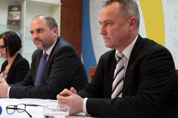 Ak si niekto myslel, že nešťastný výrok premiéra zostane na ukrajinskej strane bez povšimnutia, tak sa veľmi mýlil, hovorí Eduard Buraš (vpravo).