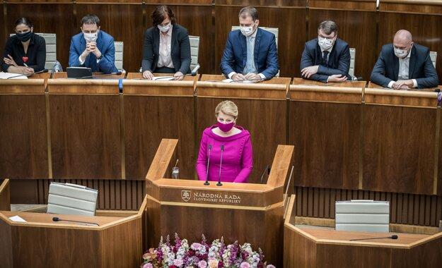 5. jún 2020. Prezidentka Zuzana Čaputová vystupuje so Správou o stave Slovenskej republiky počas 8. schôdze Národnej rady.