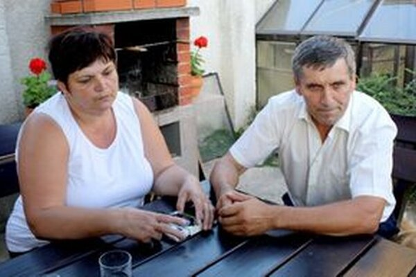 Manželia Gombíkovci si po vyše roku môžu vydýchnuť, oplzlé listy im už nechodia.