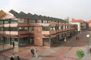Tržnicu vo Zvolene otvorili prvý raz v októbri 1998.