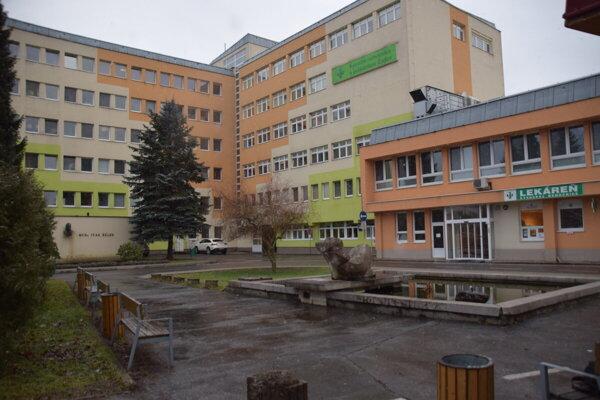Kysucká nemocnica s poliklinikou v Čadci.