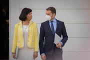 Podpredsedníčka vlády a ministerka investícií, regionálneho rozvoja a informatizácie Veronika Remišová a podpredseda vlády a minister financií Igor Matovič po vymenovaní novej vlády.