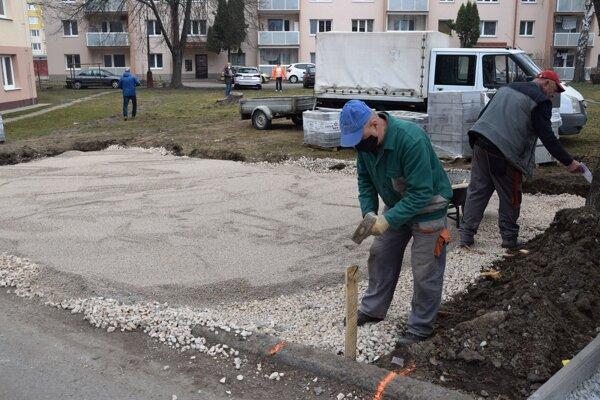 Práce na ulici F. Kráľa