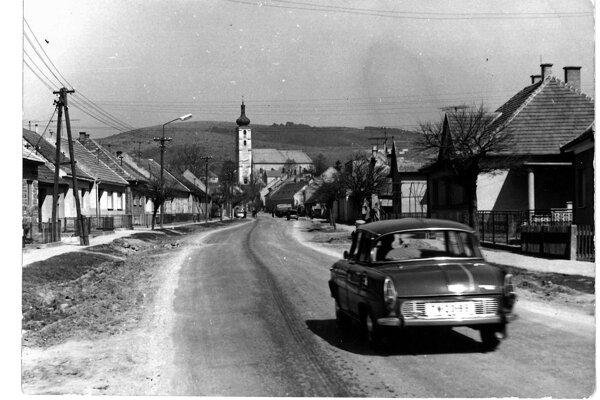 Čachtice v šesťdesiatych rokoch minulého storočia.