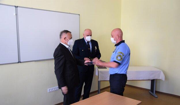 Jedným zocenených policajtov bol aj Peter Ivaška, vslužbe je 20 rokov