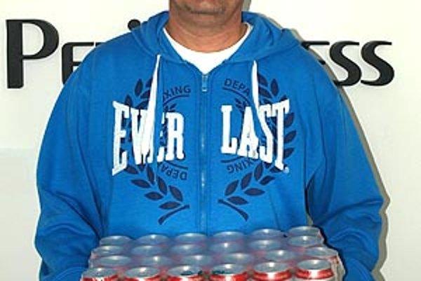 Pre kartón piva Corgoň si do redakcie prišiel víťaz 2. kola Ladislav Baláži.