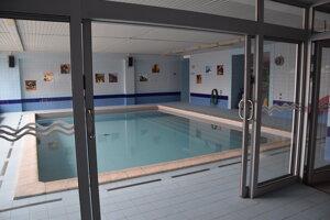Vstup k detskému bazénu.