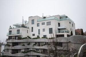 Bytovka Sokolská Residence, kde si Robert Fico prenajal byt u Dušana Muňka.