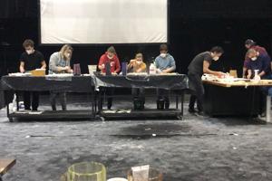 Herci na skúške. Zľava: Matej Babej, Nadežda Vladařová, Barbora Palčíková, Alena Pajtinková, Tomáš Mischura, Marián Frkáň, Daniel Žulčák aMatej Urban.