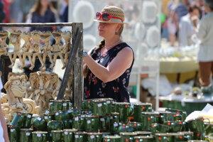 Združenie Tradičné ľudové umelecké remeslá organizuje jarmoky v šiestich mestách.