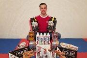 Slovenský reprezentant Dominik Imrich ponúkal výživové doplnky na predaj.