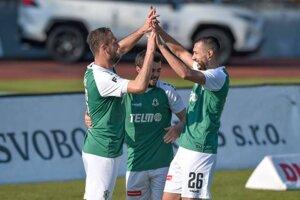 Ivan Schranz a hráči FK Jablonec.