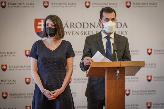 Jana Žitňanská a Juraj Šeliga odstupujú zo svojich funkcií v parlamente.