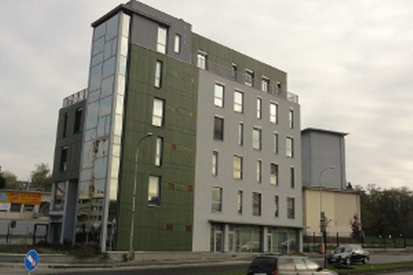 Župa si prenajme budovu na Rázusovej ulici.