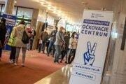 Trnavský kraj otvoril piate očkovacie centrum v piešťanských kúpeľoch.