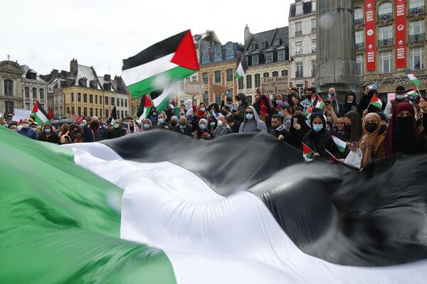 Palestínčania vyšli do ulíc aj v európskych mestách.