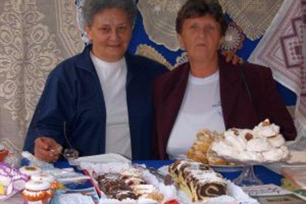 Sprava Katarína Arňašová a Zuzana Kopestinská zo Spolku petrovských žien v Báčskom Petrovci.