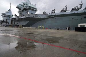 HMS Queen Elizabeth je pomenovaná po kráľovnej Alžbete I., ktorá vládla v rokoch 1558-1603.