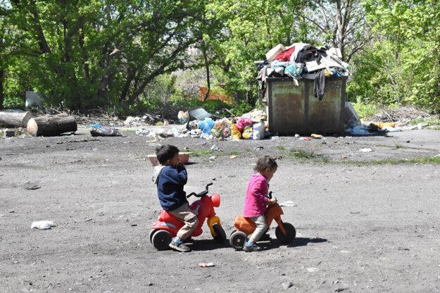 Najchudobnejšie vrstvy v Košiciach o očkovaní nemajú žiadne informácie.