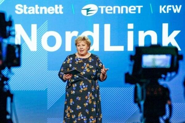 Nórska premiérka Erna Solbergová počas prezentácie projektu Nordlink v Berlíne.