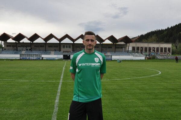 Anton Jaroš v drese ŠK Čierne.