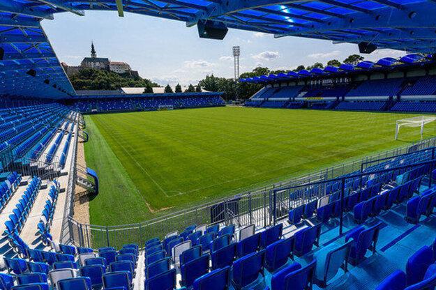 S pravdepodobnosťou hraničiacou s istotou sa v Nitre od leta bude hrať iba tretia liga.