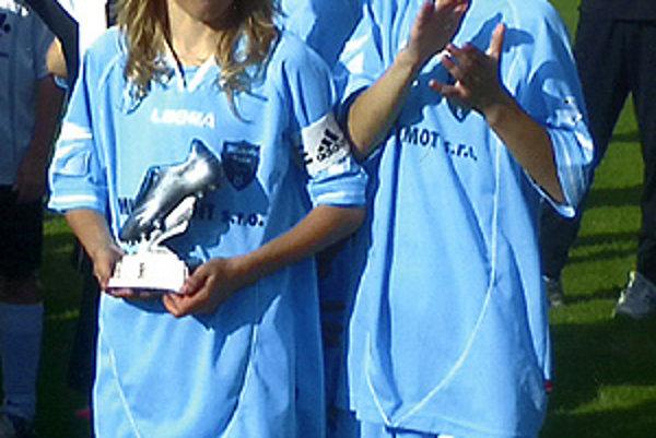 Thomas Kotlár s cenou pre najlepšieho hráča na jednom z turnajov v Nemecku.